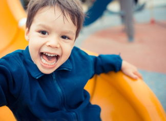 Jak zapewnić dziecku zdrowe i szczęśliwe dzieciństwo?