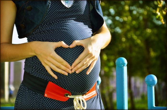 Jak rozpoznać pierwsze objawy ciąży?
